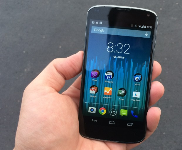 The Nexus 4 Android 4.4.3 update went well, but some app shortcuts did not work after the update.