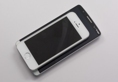 The G3 is much larger.