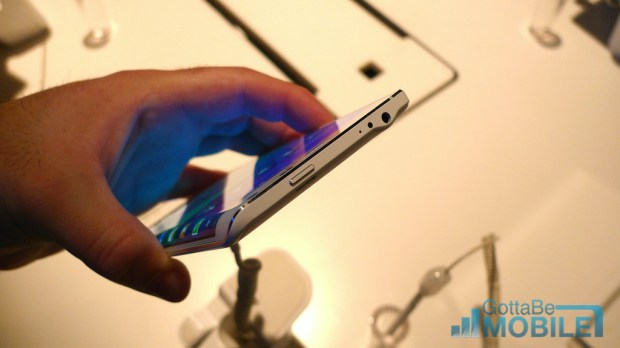Samsung Galaxy Note Edge Photos 2