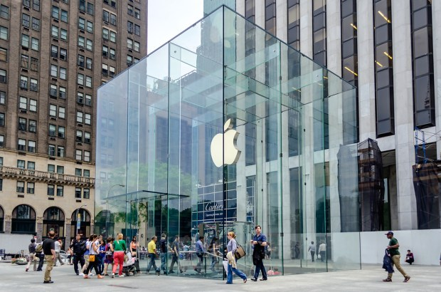 The line formed for the iPhone 6 release date includes many who don't want a new iPhone.