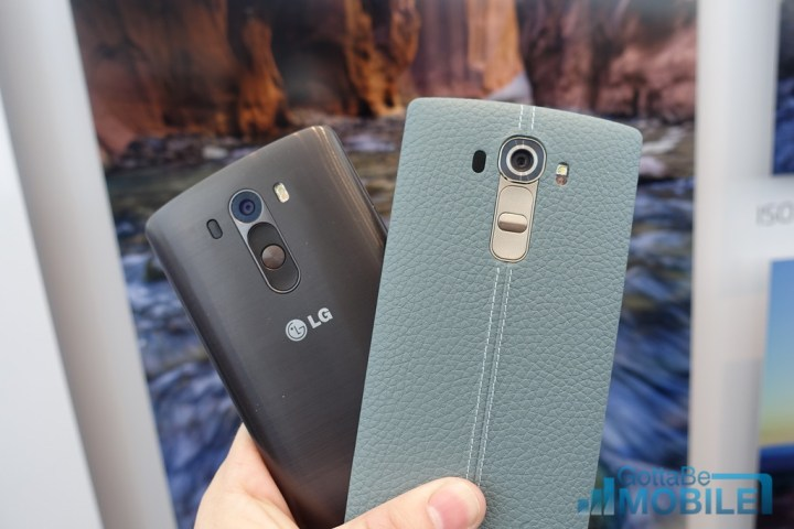 Here's the LG G4 (right) next to the phone it's replacing