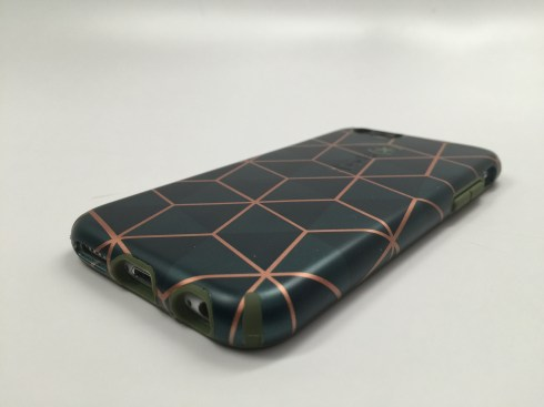 Speck CandyShell Inked Luxury iPhone 6 Case Review - 17