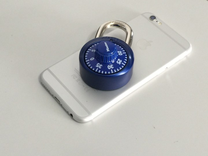 What is the difference between a locked and unlocked iPhone?