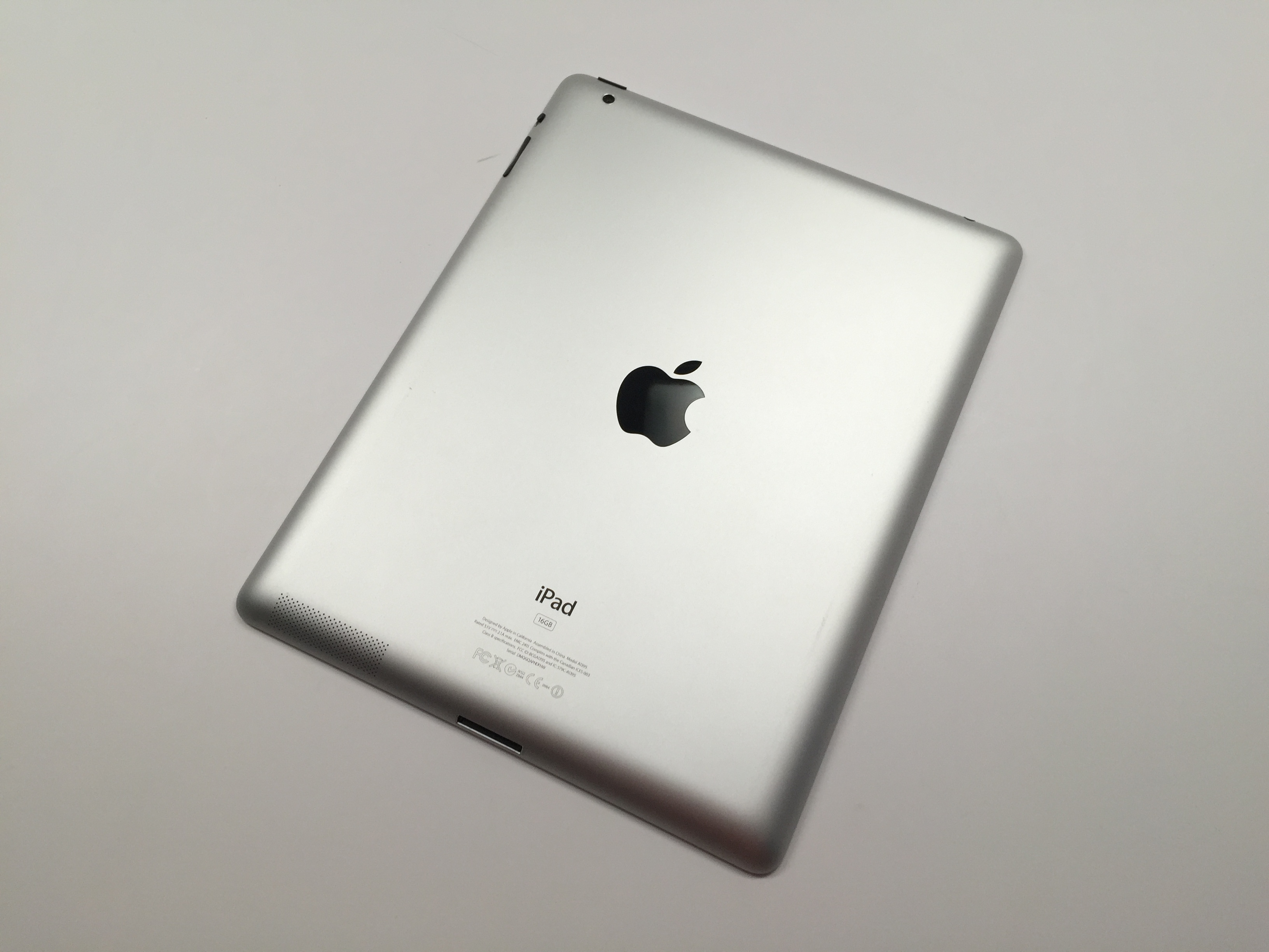 Got an iPhone 4s or iPad 2? Why you should never upgrade