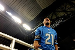iPhone 6 Plus Photo Samples NFL Lions vs Broncos - 29