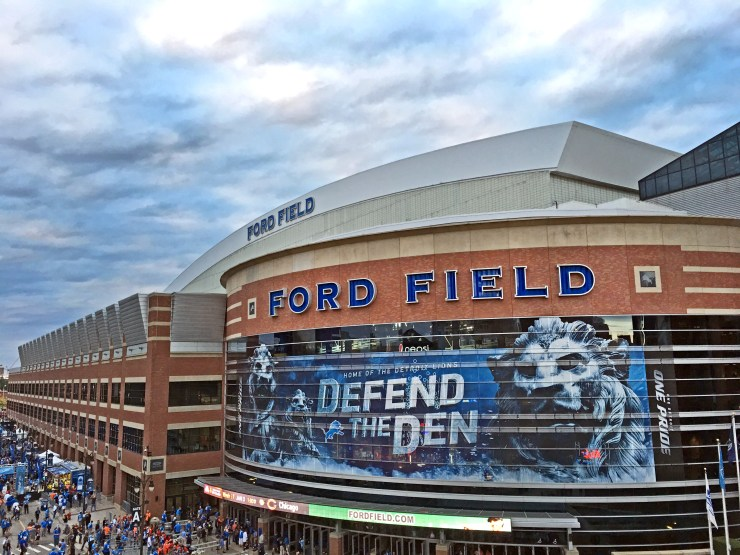 iPhone 6 Plus Photo Samples NFL Lions vs Broncos - 3