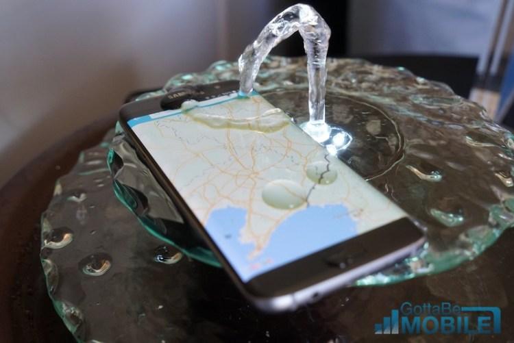 Galaxy-S7-water