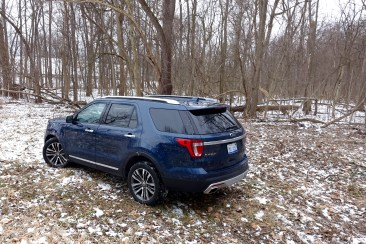 2016 Ford Explorer Platinum Review - 19