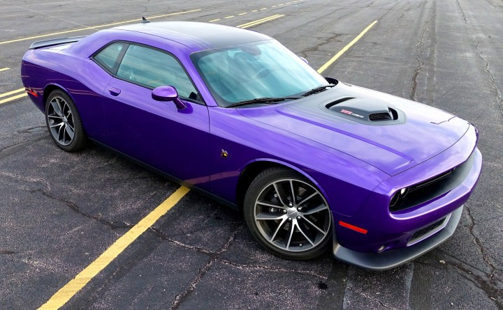 A Shaker hood and 392 HEMI adds to the, look at me, exterior of the 2016 Dodge Challenger.