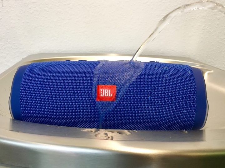 jbl charge 3 blue. the jbl charge 3 is waterproof and it can your phone. jbl blue p