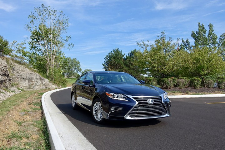 What buyers need to know about the 2016 Lexus ES 350.