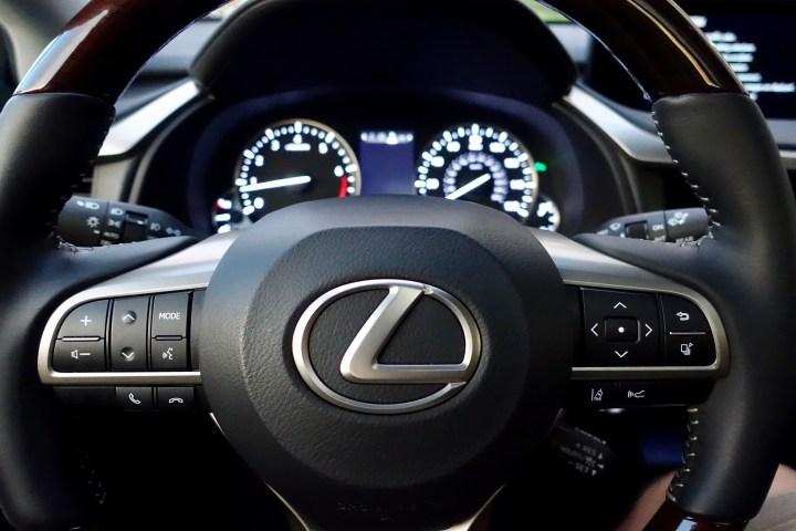2016-lexus-rx-350-review-14