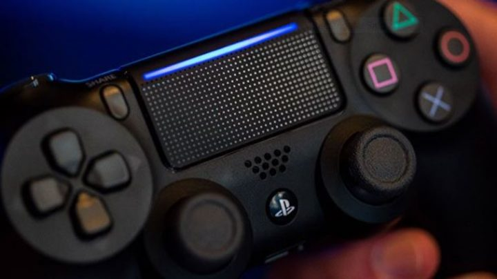 PS4 Slim DualShock 4 Controller at gameStop