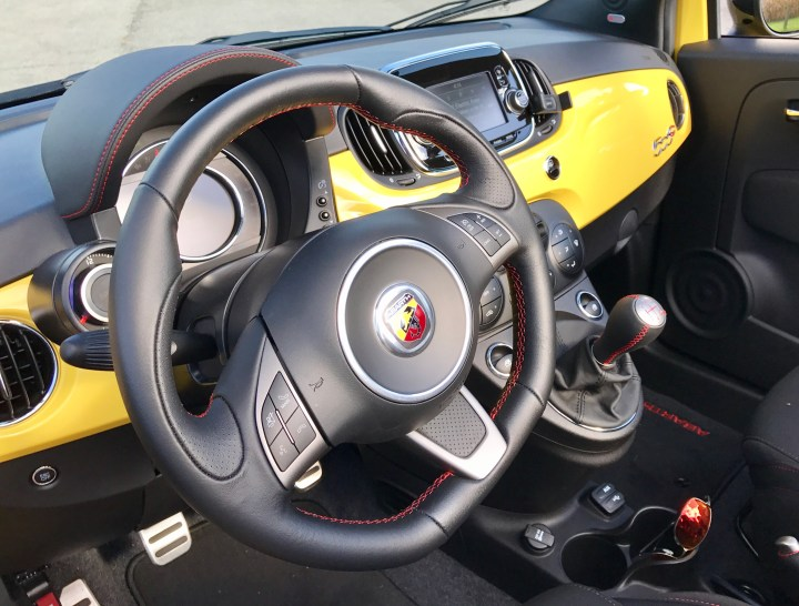 2016-fiat-500-abarth-review-interior-2