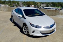 2017-chevy-volt-review-22