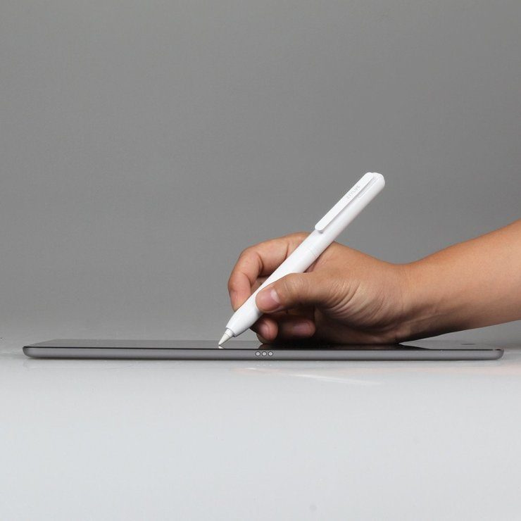 ztylus-apple-pencil-case-in-use