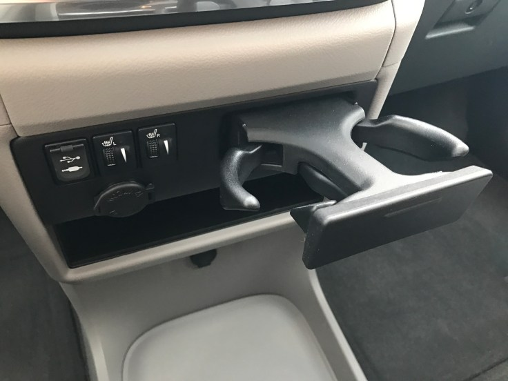 2017-toyota-sienna-review-2