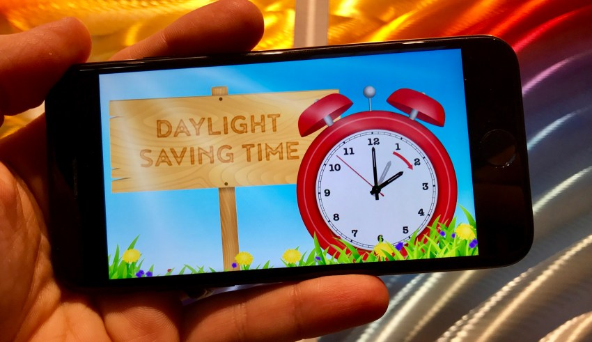does iphone automatically spring forward iphone daylight saving 2018 3 things to in march 2196