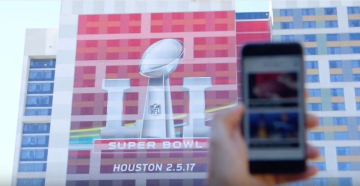 Verizon is ready for fans to Go Live, upload to Instagram and use Snapchat at Super Bowl LI.