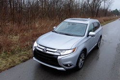 2017 Mitsubishi Outlander GT Review - 4