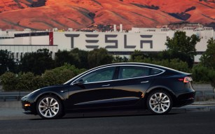 Tesla Model 3 - 3