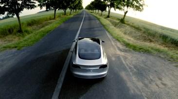 Tesla Model 3 - 8