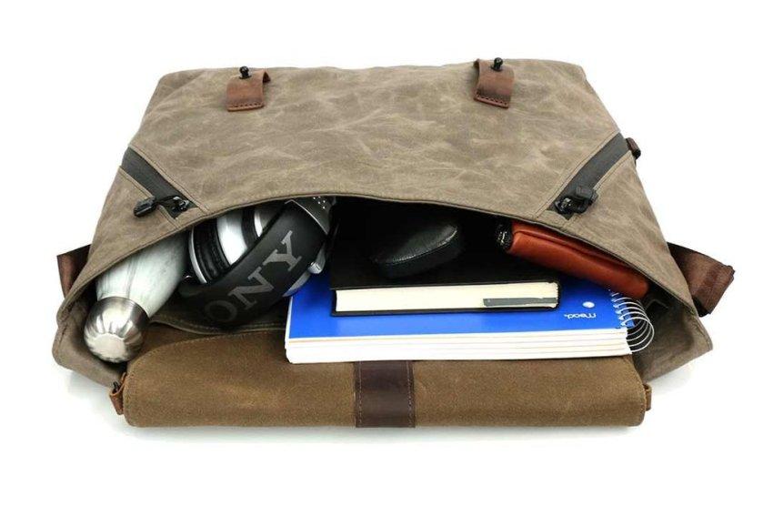vitesse messenger bag inside