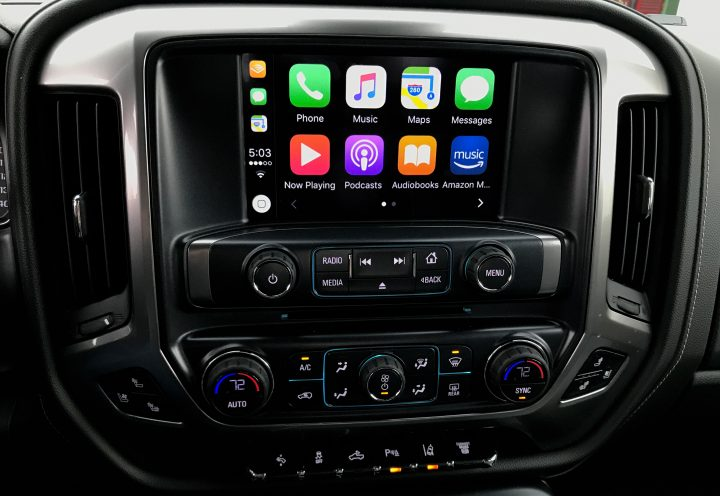 Apple CarPlay and Android Auto deliver a familiar experience in your truck.