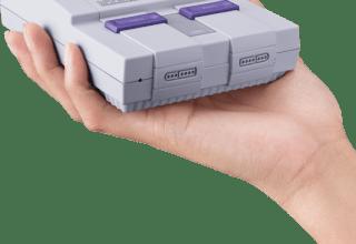 SNES Classic: Super Nintendo Classic Size in Hand