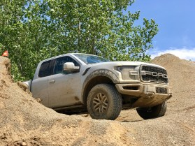 2017 Ford Raptor Review - 10