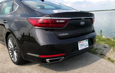 2017 Kia Cadenza Review - 7