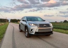 2017 Toyota Highlander Review - 3