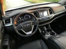 2017 Toyota Highlander Review - 5