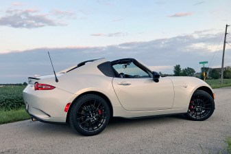2017 Mazda MX-5 Miata RF Review - 21