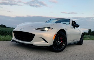 2017 Mazda MX-5 Miata RF Review - 24