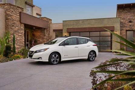 2018 Nissan LEAF makes North American debut