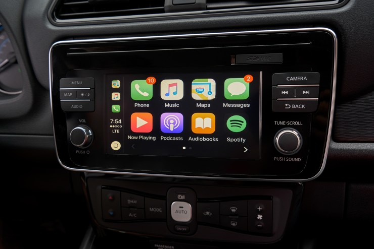 The 2018 Nissan Leaf includes Apple CarPlay & Android Auto Support.
