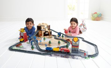 Hottest Toys 2017 - AD12505 Gold Mountain Model