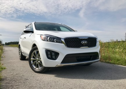 2017 Kia Sorento Review - 17