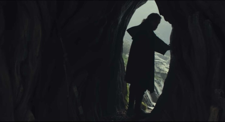Don't watch the new Star Wars: The Last Jedi trailer if you are a super fan. Don't watch the new Star Wars: The Last Jedi trailer if you are a super fan.