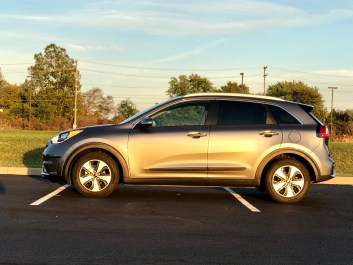 2017 Kia Niro Review - 16