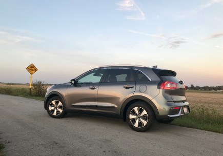 2017 Kia Niro Review - 17