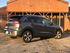 2017 Kia Niro Review - 9