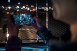 Razer Phone Lifestyle - 13