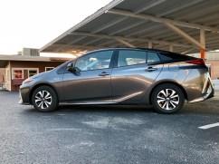 2017 Toyota Prius Prime Review - 8