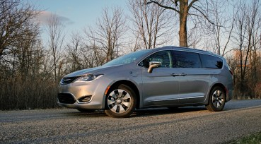 2018 Chrysler Pacifica Hybrid Review - 20