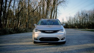 2018 Chrysler Pacifica Hybrid Review - 25