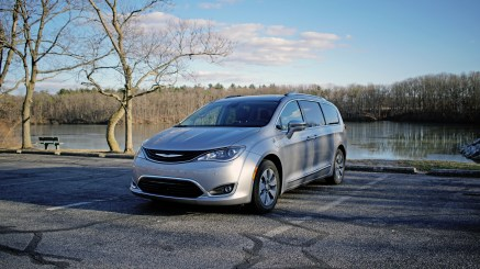 2018 Chrysler Pacifica Hybrid Review - 27