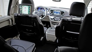 2018 Chrysler Pacifica Hybrid Review - 7