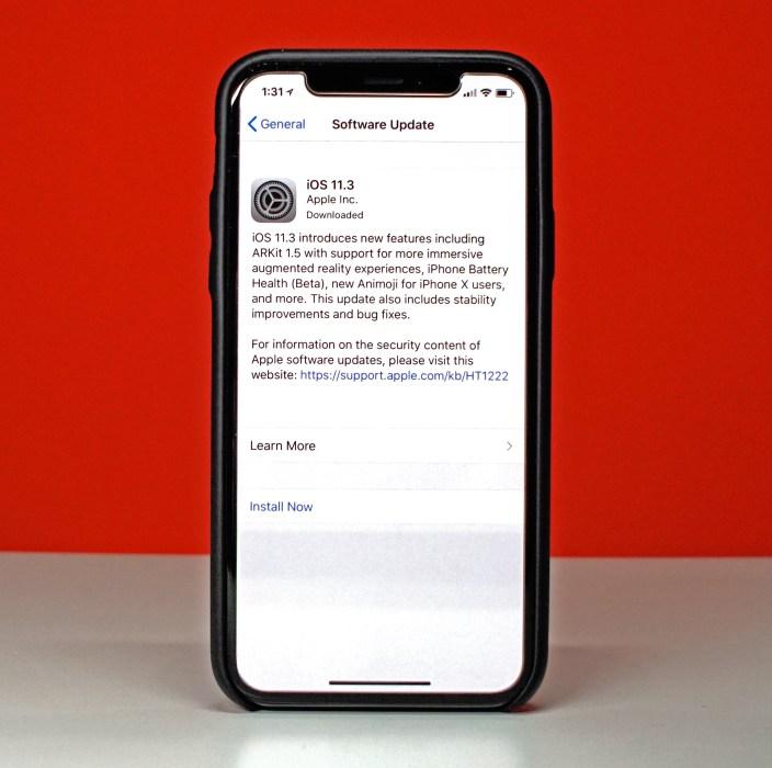 iPhone X iOS 11.3 Impressions